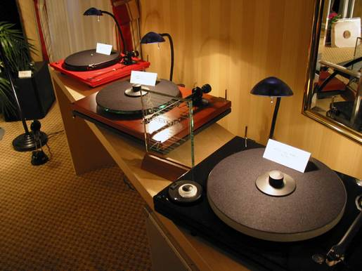 Music Hall Turntables